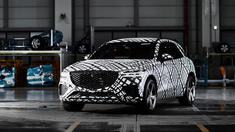 Genesis previews 2021 GV70 SUV with official spy shots