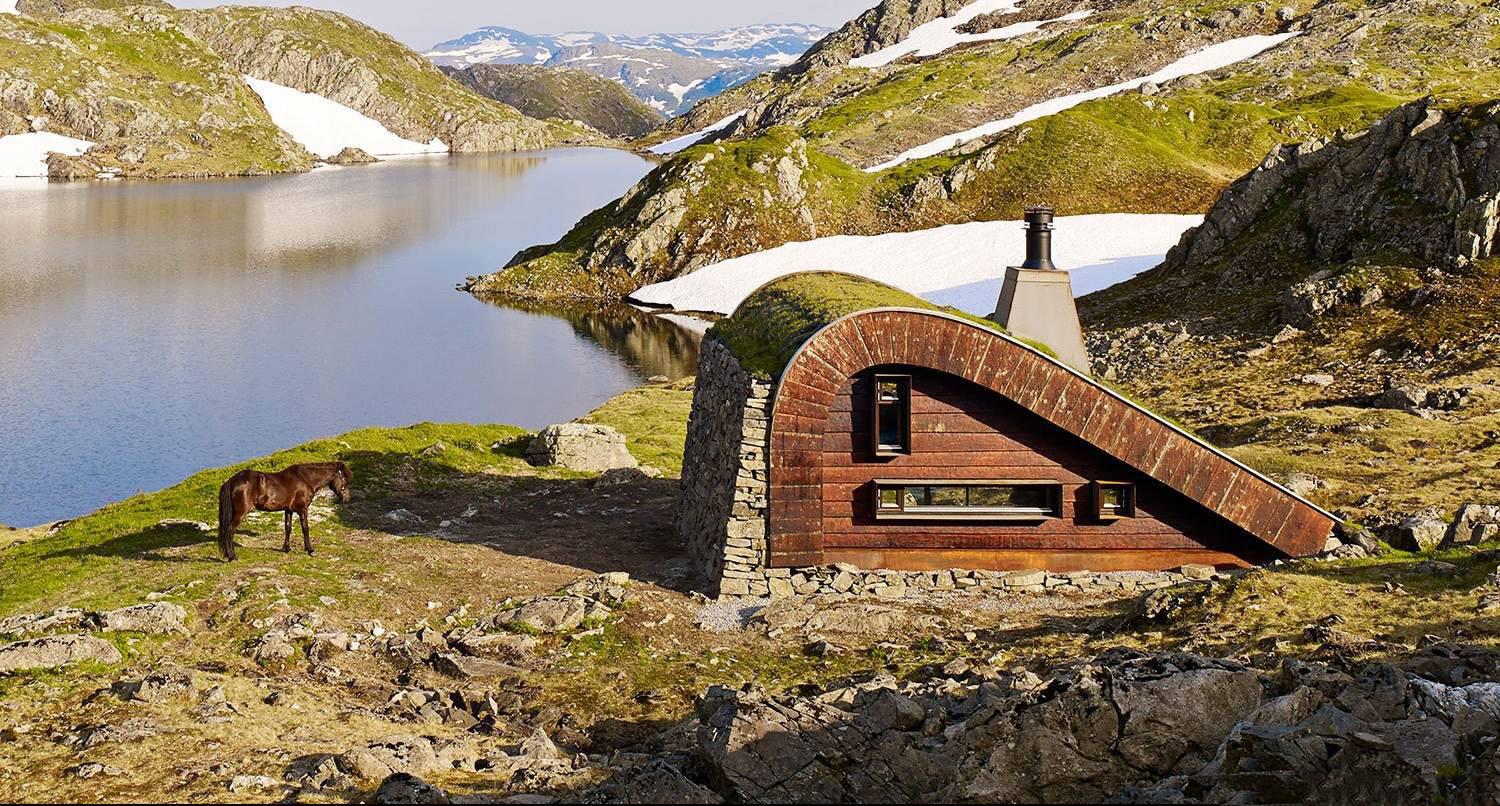 A Stealthy Norwegian Mountain Lodge