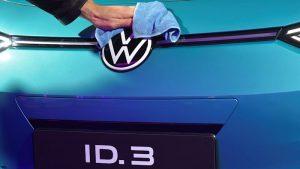 Volkswagen CEO tweets, Musk-style, on market-cap milestone